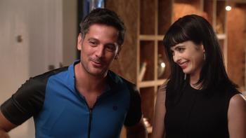 Episodio 2 (TTemporada 1) de Don't Trust the B---- in Apartment 23